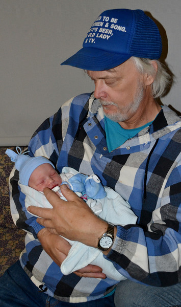 2013-02 Gauge's Newborn Photos