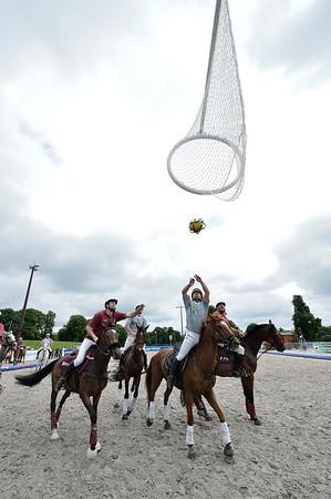 HORSE BALL 2012-2013