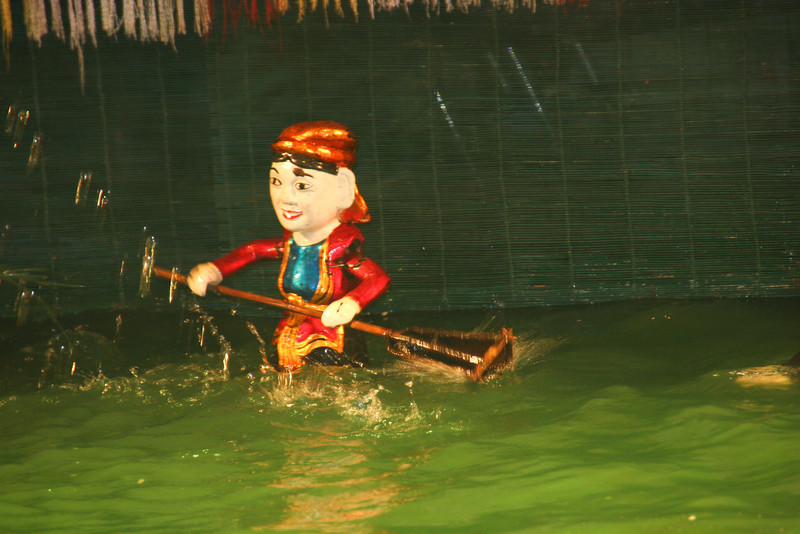 Vietnam - ethonology museum and water puppet show 200.jpg