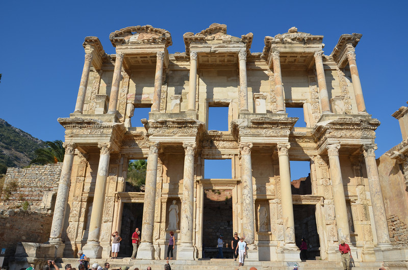 DSC_1788-the-celsus-library-front.JPG