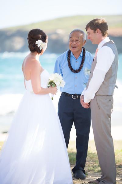 gillin beach kauai wedding-68.jpg
