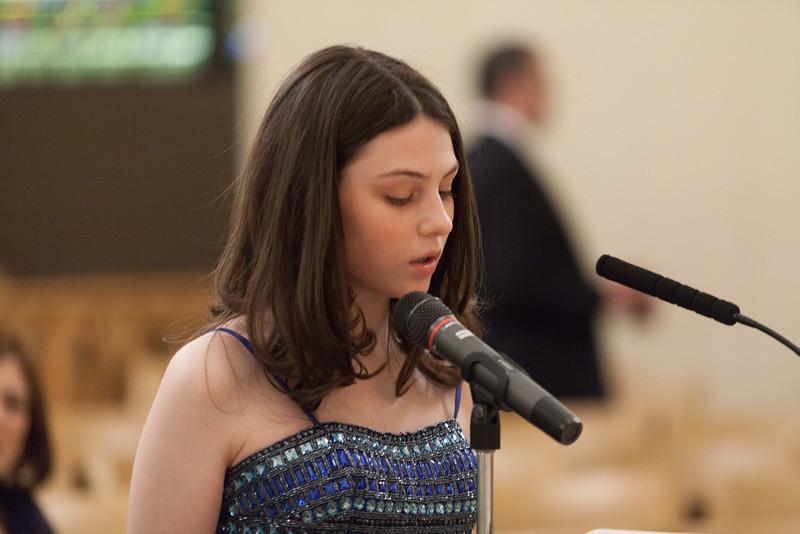 Hannah in Temple-6766.jpg