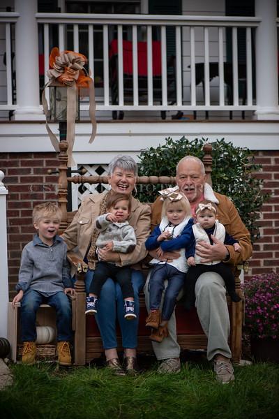 2019 November Ellis Family-249-137.jpg