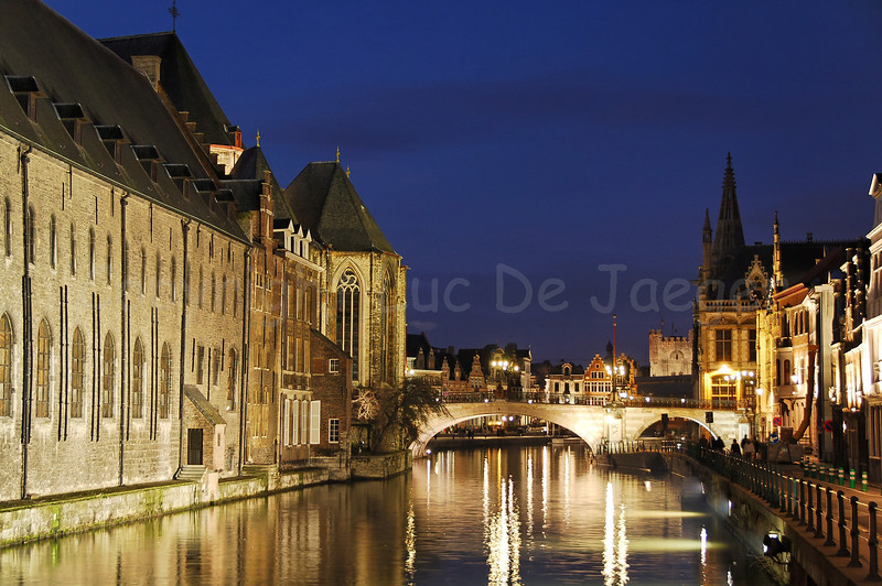 "This evening shot of the St Michielsbrug (St Michael's Bridge) in the city of Ghent (Gent), Belgium which is captured from the Predikherenbrug, will be used in all publications and press documents to promote the ISVEE13 - 13th International Symposium on Veterinary Epidemiology and Economics. This Symposium is, among others, organised by the Wageningen University & Research center, the Netherlands, and is entitled ""building bridges - crossing boarders"". It will be held in 2012 in Ghent (Gent), Belgium and in Maastricht, the Netherlands."