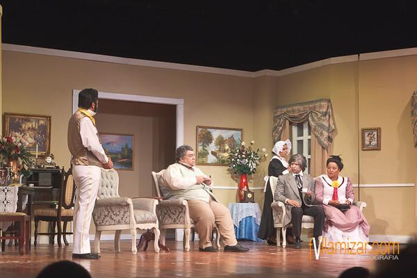 Obra Teatro en Círculo: El inspector General