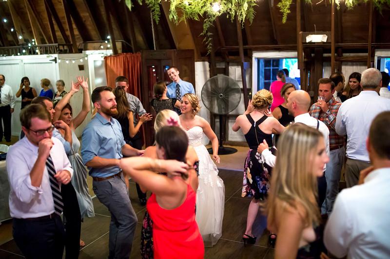 Garrett & Lisa Wedding (714).jpg