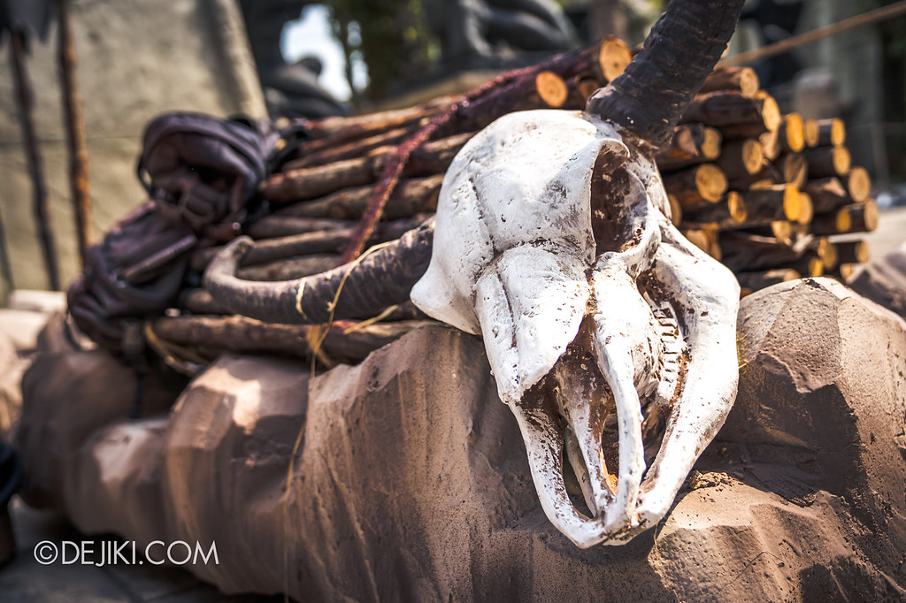 Universal Studios Singapore Halloween Horror Nights 8 / Cannibal skull