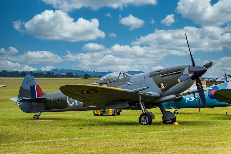 Supermarine Spitfire Mk XVI (G-OXVI)