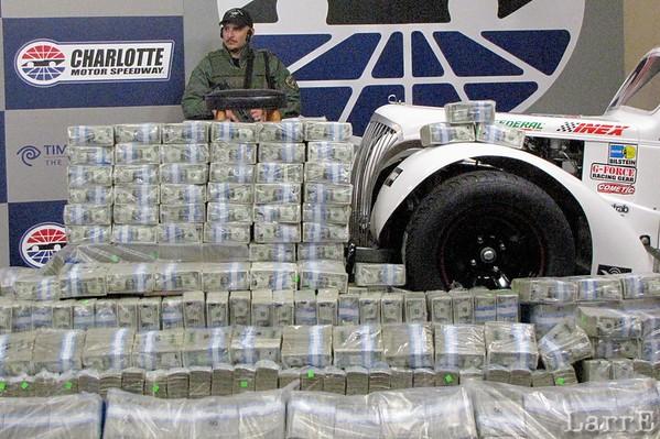 $1,000,000 LEGEND race at Charlotte