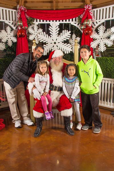 Santa 12-16-17-180.jpg