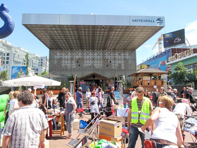 2010-06-06-Flohmarkt 80.jpg