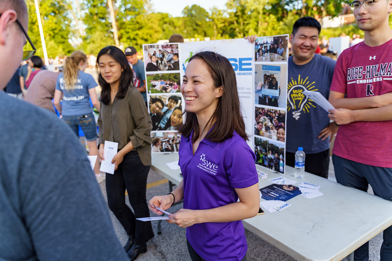 RHIT_Freshman_Move_In_2018_Student_Activities_Fair-1658.jpg