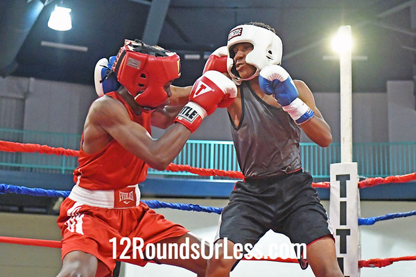 Bout 4 Javon Riley, Red Gloves, East Cleveland -vs- Uriah Bland, Blue Gloves, Columbus, 128 Lbs.