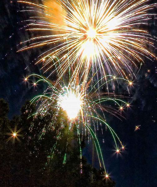 Fireworks at Burlington Waterfront - 3.jpg