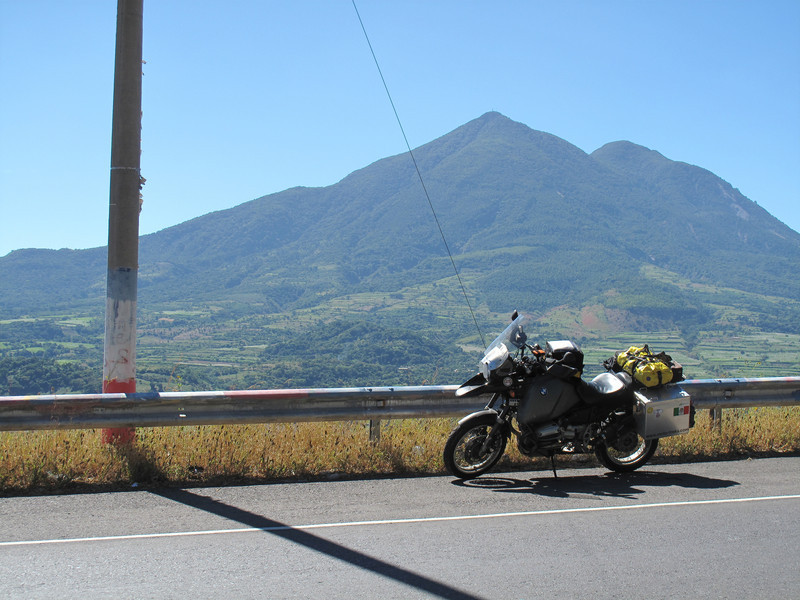 The road to San Miguel