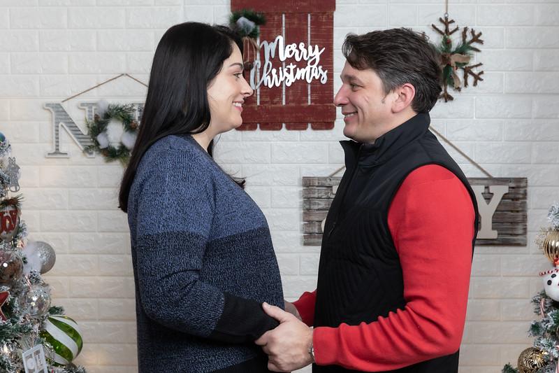12.21.19 - Marceli's Christmas Photo Session 2019 - -1.jpg