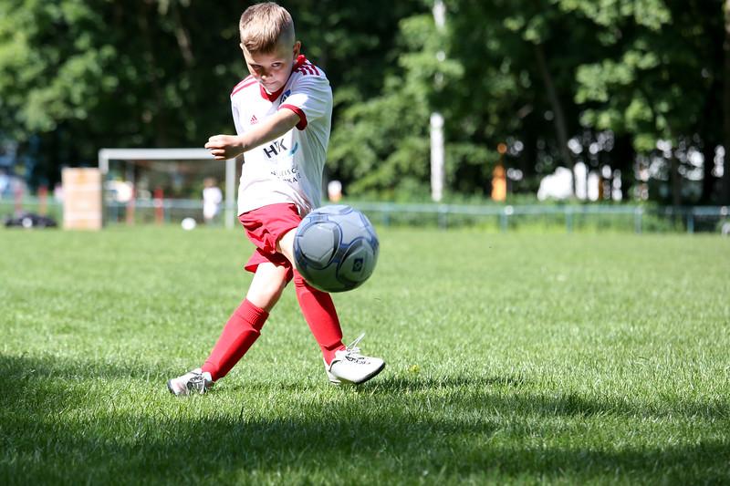 hsv_fussballschule-222_48048032457_o.jpg