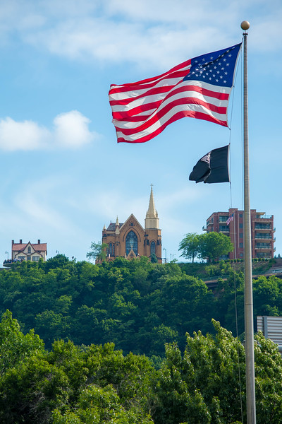 86_PittsburghFlag.jpg