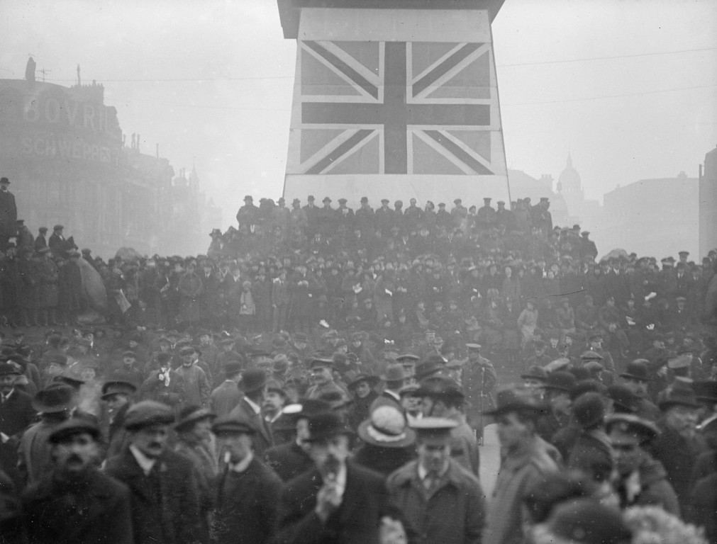. 15th February 1917:  A Victory War Loan rally in Trafalgar Square.  (Photo by Topical Press Agency/Getty Images)