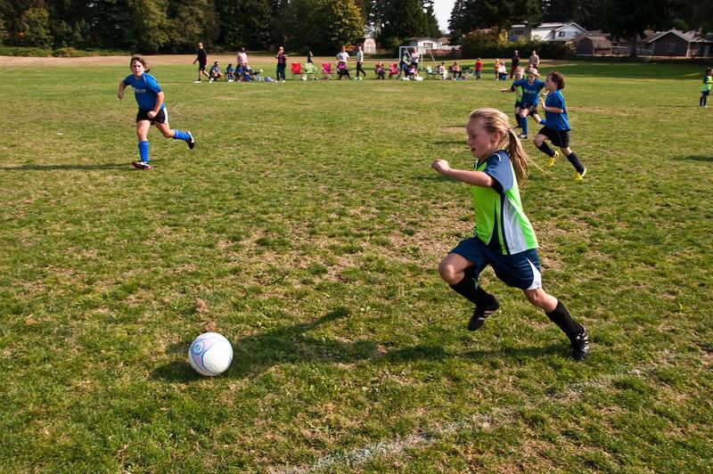 2012.09.23 - Soccer match vs. SL Rounds