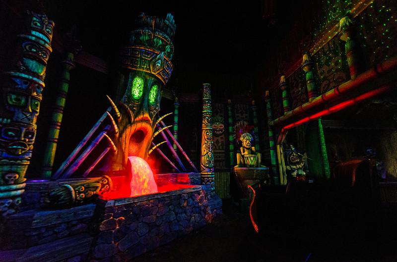 mystic-manor-dark-ride.jpg