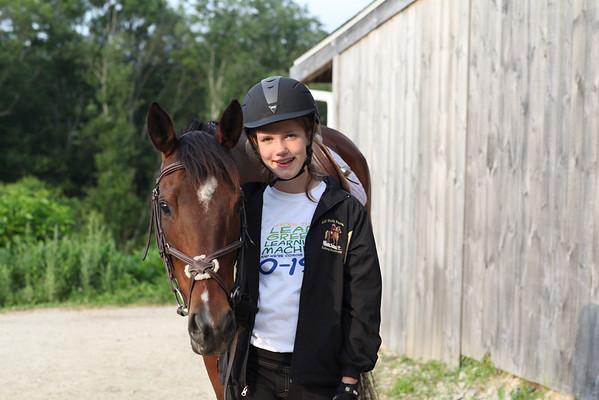 12-06-19 Persie Riding