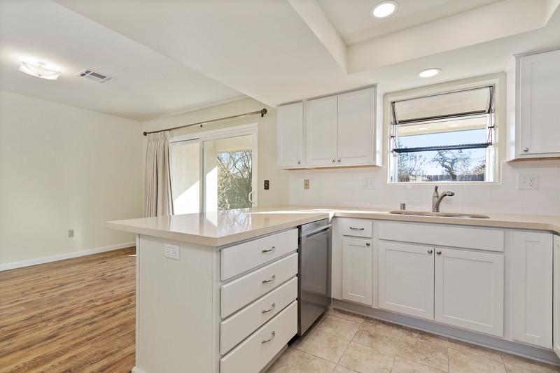 3280 Firtree 8 Kitchen.jpg