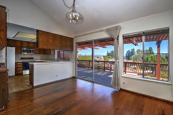 1040 La Casa Drive in Lake San Marcos, CA