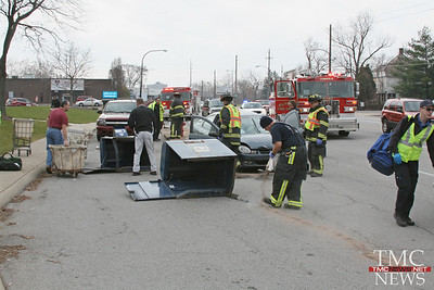 DRIVER TAKES DOWN POLE AND TWO MAIL BOXES IN FRONT OF POST OFFICE