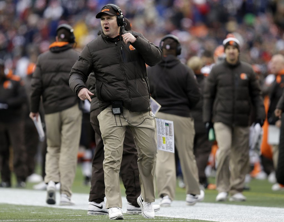 . <p><b> Browns at Jets (-2):</b>  <p>Cleveland coach Rob Chudzinski became a father for the fourth time Monday when his wife gave birth to a baby boy. The new arrival prompted the biggest outburst of joy at Browns headquarters since they were able to trick Indianapolis into trading for Trent Richardson. <p>Pick: <b>Browns by 4</b> <p>   (AP Photo/Steven Senne)
