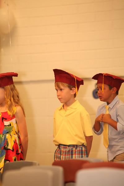 2012May18_MTA Kinder Grad_9663.JPG