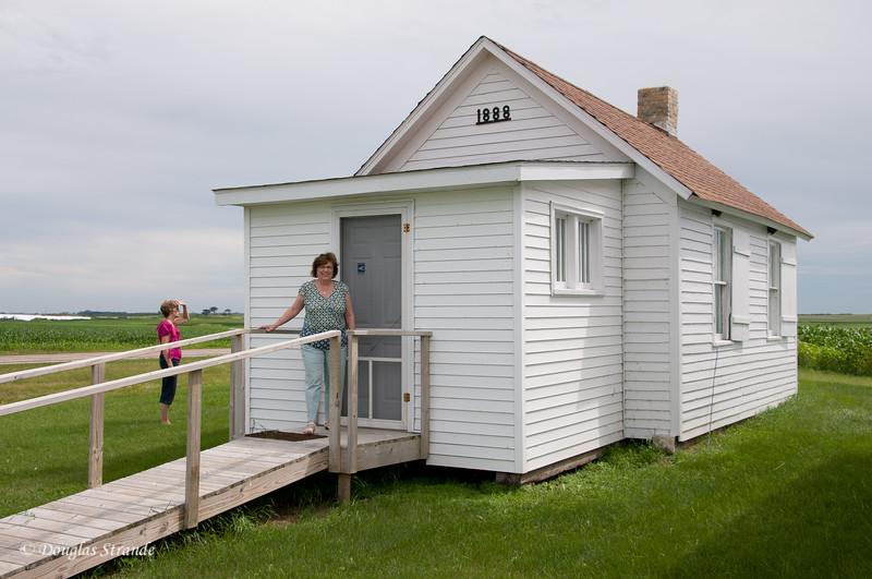 2011   Rural schoolhouse
