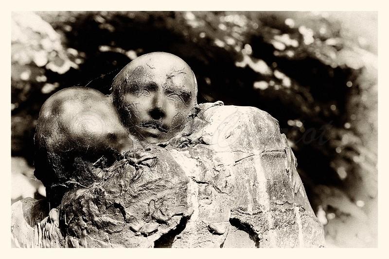 in memoriam 2 Jean  Moulin, jardin des champs Elysees, Georges Janclos