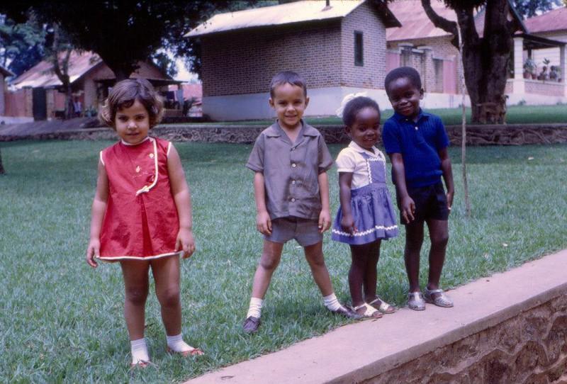 Dundo 1967 monas.jpg