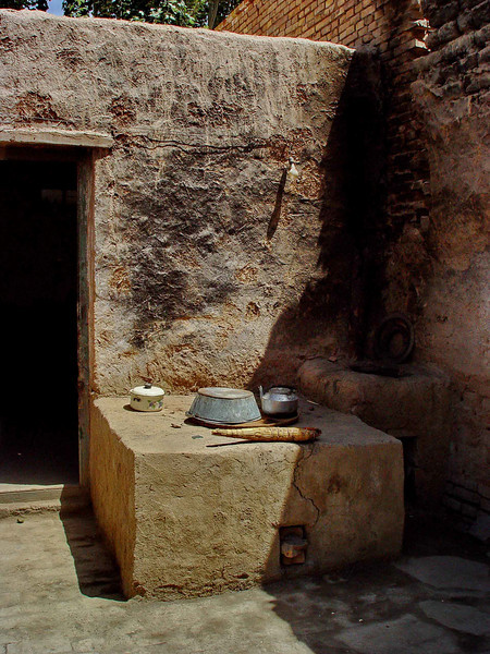 Kitchen in village near Kashgar DSC01978.jpg