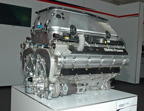 BMW F1 engine.jpg