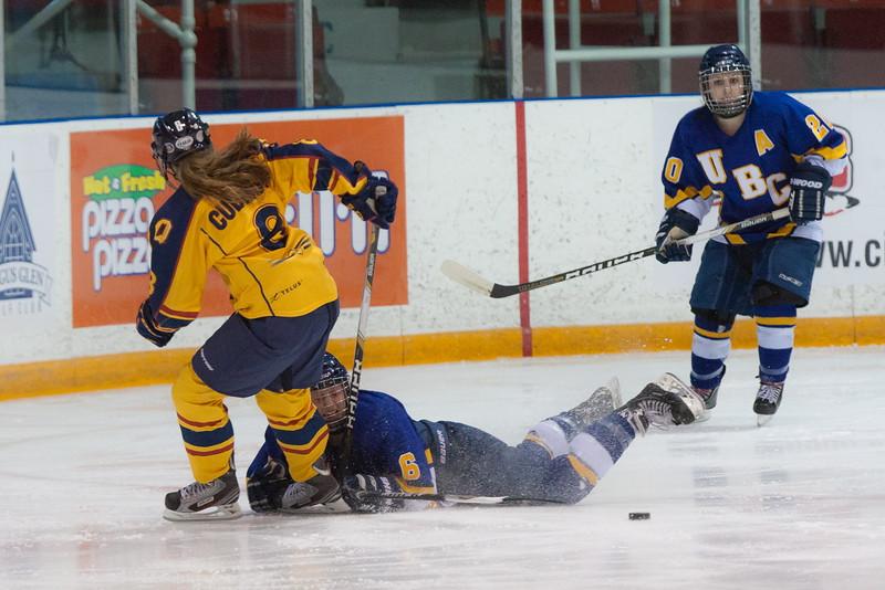 20130310 QWHockeyvsUBC 158.jpg