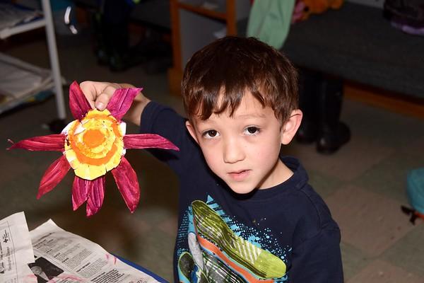 Kindergarten Spring Flowers photos by Gary Baker