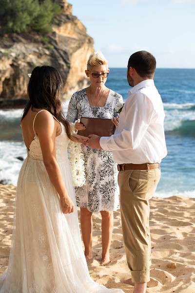 kauai wedding on shipwrecks-30.jpg