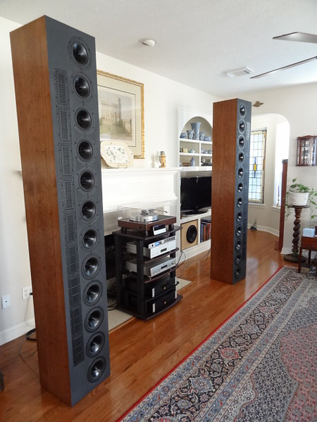 The DR912a line array speakers