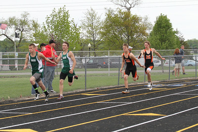 Cadillac-News-Boys-400-relay