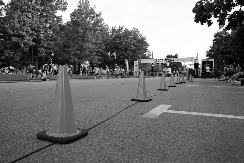 Half marathon and 5K finish line.