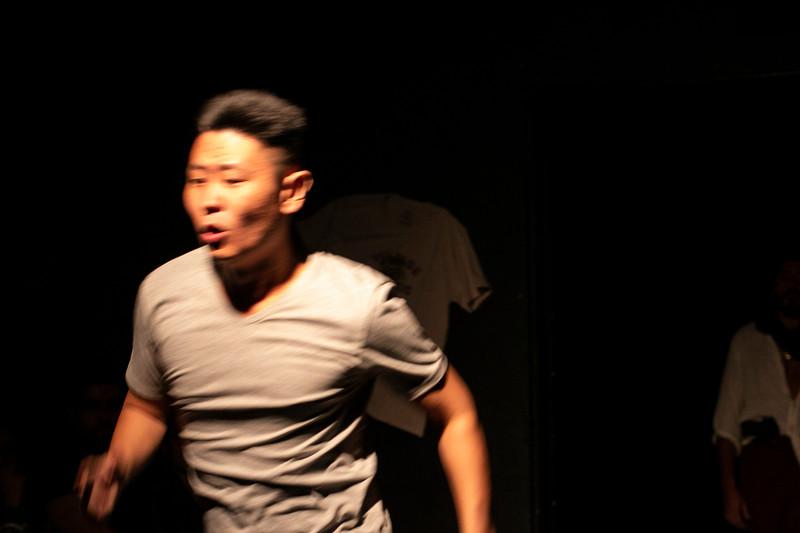 Allan Bravos - Fotografia de Teatro - Indac - Migraaaantes-510.jpg