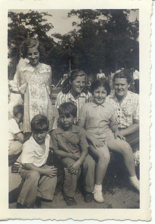 1941: Lillian O'Connor, Thersa Yarzab, Mary Lewandowski, Gertrude Yarzab, Gerard Frost, Freddie Hampton.