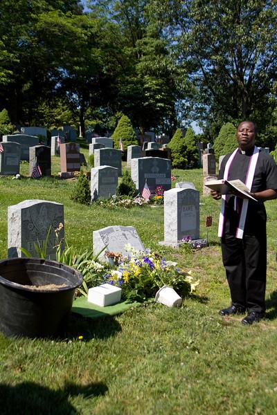 Popi's grave site