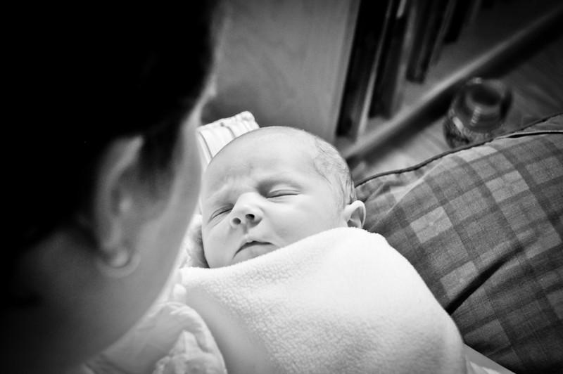 Henry newborn-31.jpg