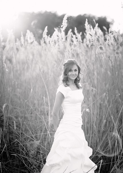 Amy Bridals 114bw.jpg