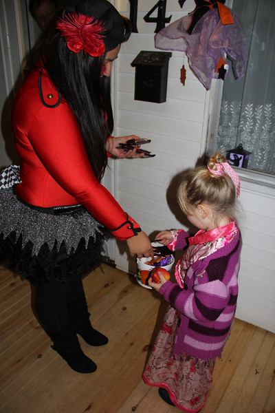 Trick Or Treat Night, Seek, Coaldale (10-31-2012)