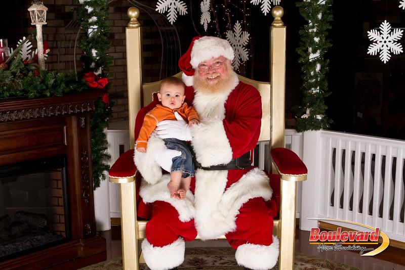 Santa Dec 15-146.jpg