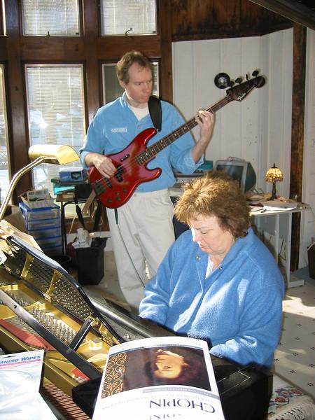 FL & Shirley Lebin, jamming at the Lebin house, Jan 26 2002.